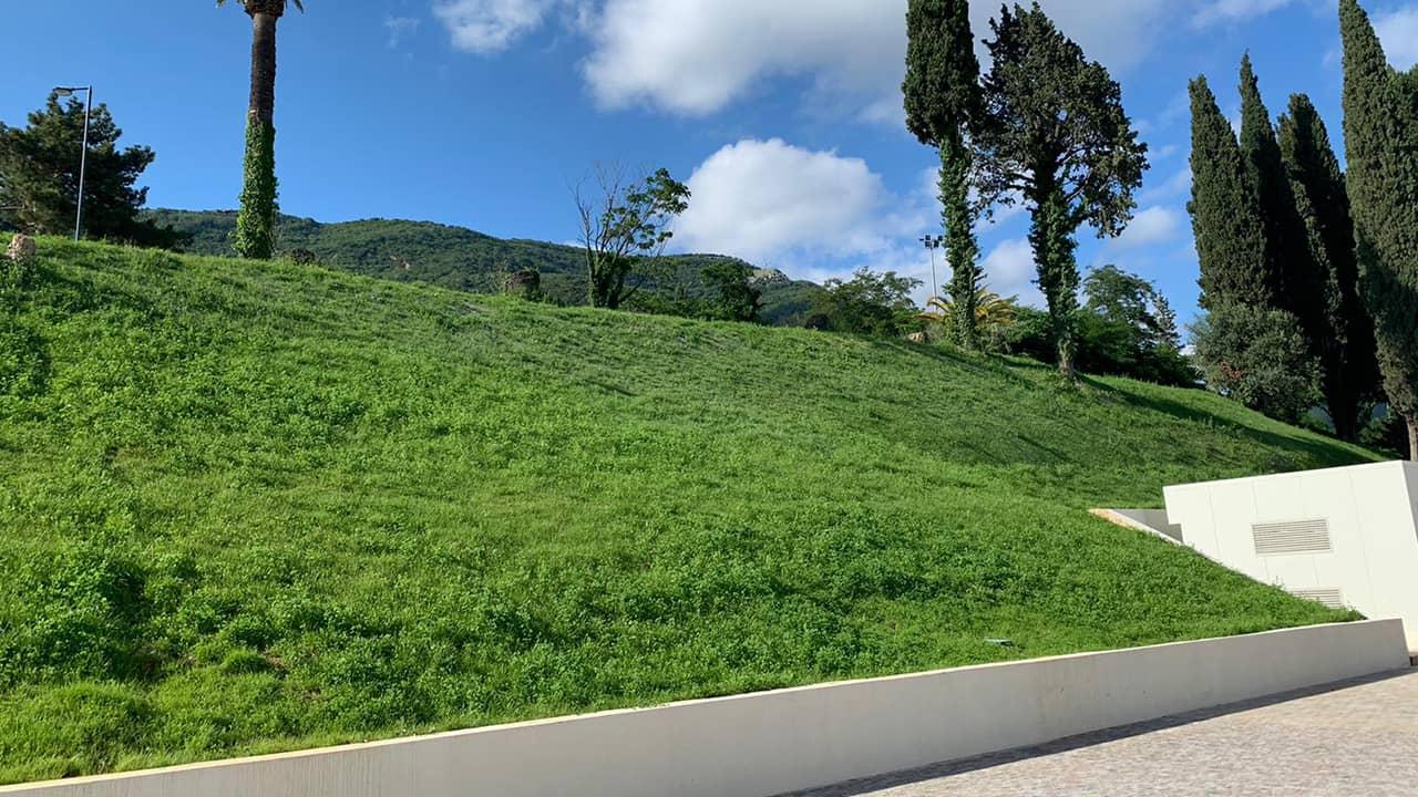 Hydromulching - Gazon autour de domaines résidentiels, golfs, terrains de jeux.