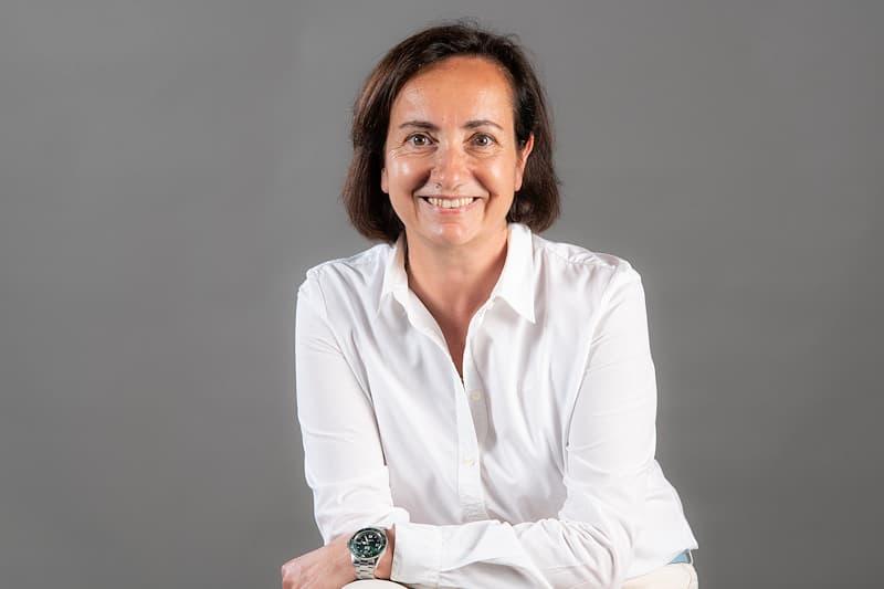 Barbara-Loi-Responsable-Achats-et-Administration-des-Ventes-800x533